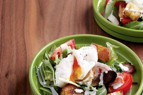 plate of BLT salad
