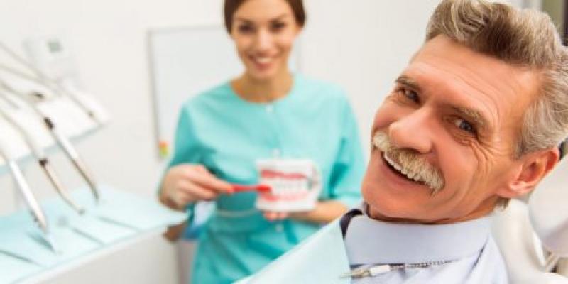 Senior seeing a dentist
