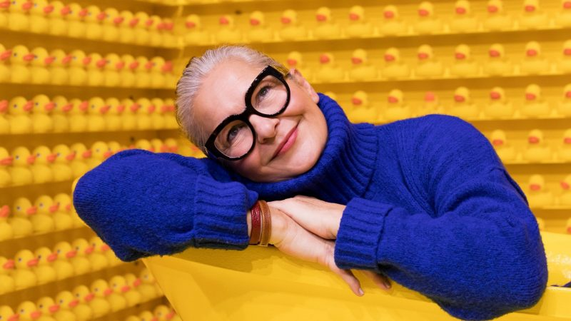 woman-playing-in-yellow-tub